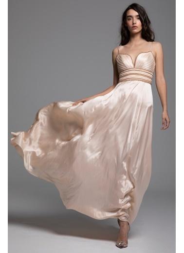Tuba Ergin İpek Bel İşleme Detaylı Maxi Ava Elbise Pudra